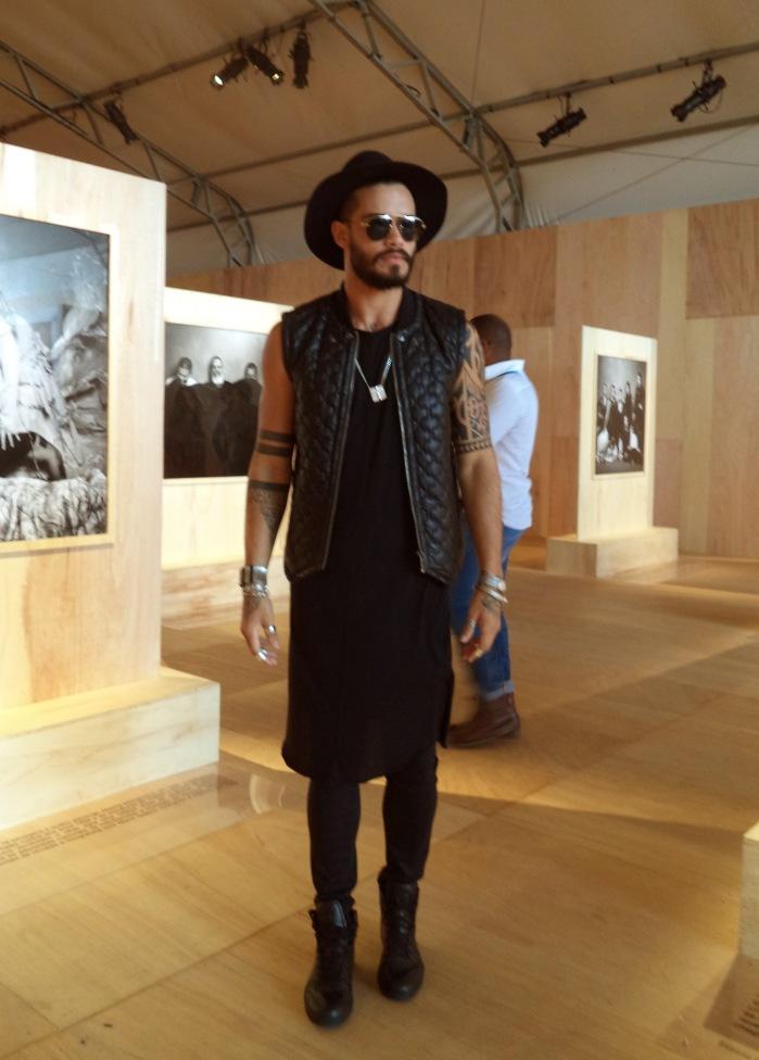 Rhelden, estilista, produtor de Moda e modelo.